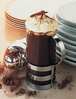 ** شراب الشوكولاتة والكعكة الهشة** Chocolat